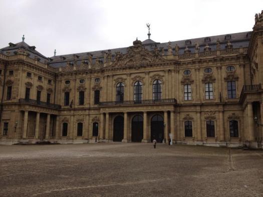 Copyright Craftymemories.wordpress.com - Entrance of Palace Residence